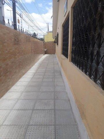 ALUGA-SE CASA NA AV CRUZ CABUGA PROXIMO A COMPESA  - Foto 14