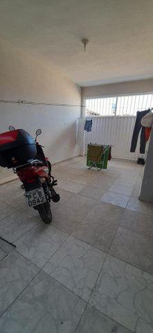 Vende-se Casa com 2 quartos (sendo uma Suite), 2 salas, de esquina - Foto 17