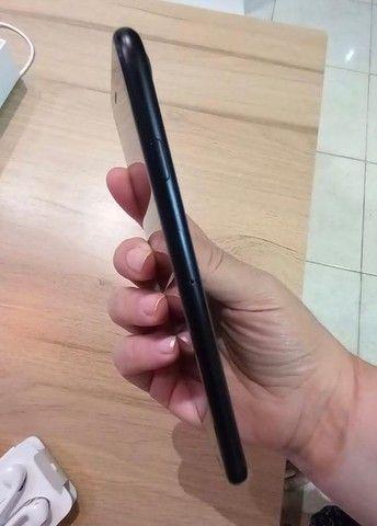 Iphone 7 - 32 GB preto  - Foto 4