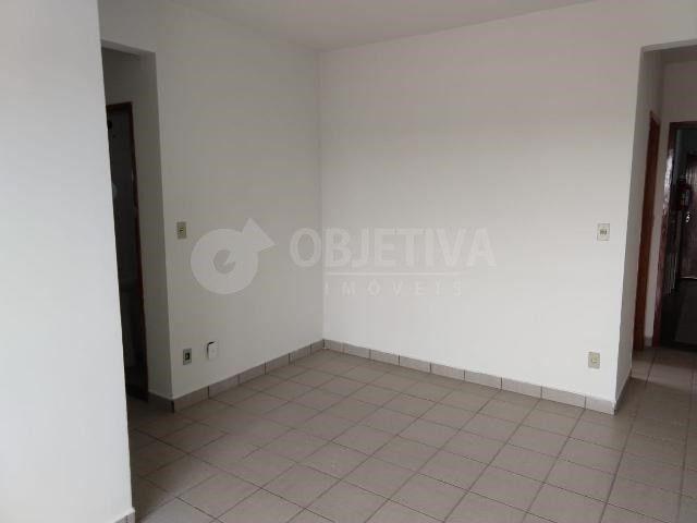 Apartamento para alugar com 3 dormitórios em Martins, Uberlandia cod:442772
