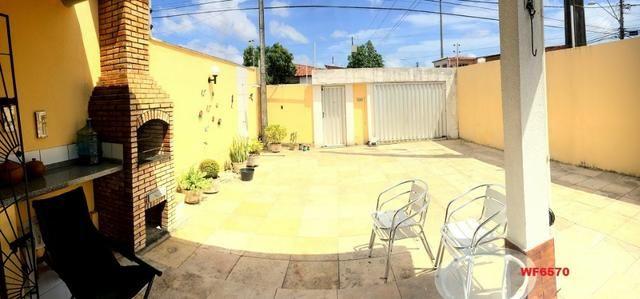 Casa plana no Castelão, 3 quartos, 6 vagas, deck com churrasqueira, - Foto 11