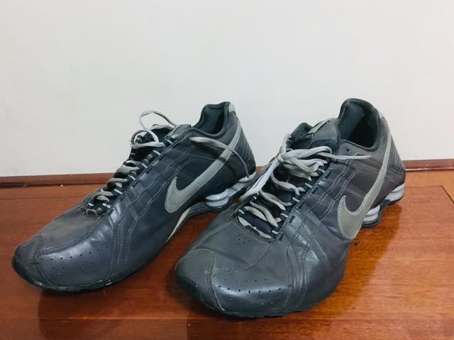 8965b5177ee Tênis Nike Shox - couro -N 43 - Roupas e calçados - Água Branca