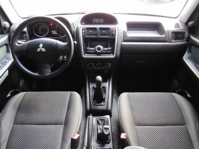 Mitsubishi Pajero TR4 GLS 4x4 Manual - 2012 - Foto 7