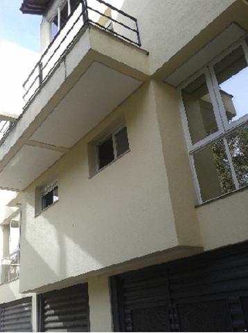 Casa para alugar com 3 dormitórios em , cod:I-022067