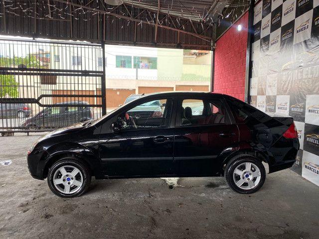 Fiesta sedan 1.0 2008 - Foto 2