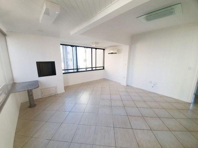 E-Semi Mobiliado, moveis fixos na cozinha e dormitórios! Balneário Camboriú