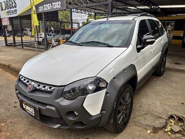 Fiat palio weekend adventure locker branca 2017