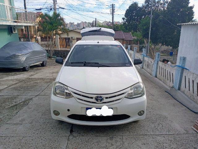 Toyota etios hatch - Foto 2
