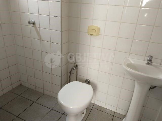 Apartamento para alugar com 3 dormitórios em Martins, Uberlandia cod:446193 - Foto 2