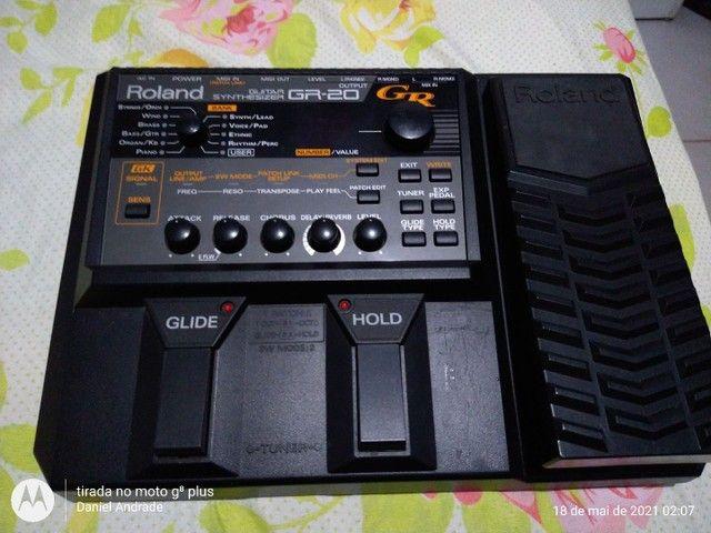 Syntetizado para guitarra GR 20 da roland