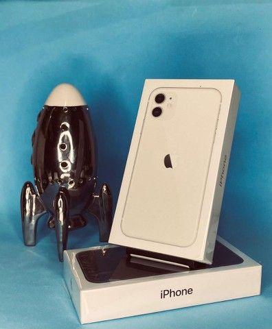 IPhone 11 64Gb / 128Gb (Branco e Preto).    1 ANO DE GARANTIA