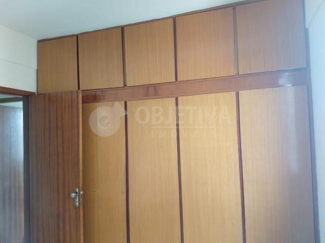 Apartamento para alugar com 3 dormitórios em Martins, Uberlandia cod:446193