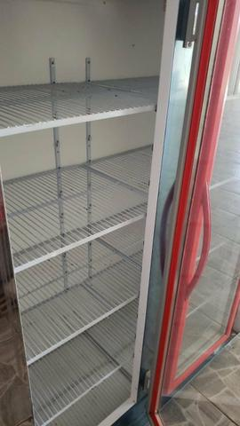 Freezer Vitrine 3 portas 11