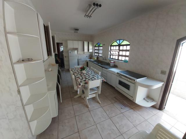 CASA COM PISCINA/ LINDA CASA IMPECÁVEL. 100 metros da praia. Cozinha ENORME - Foto 2