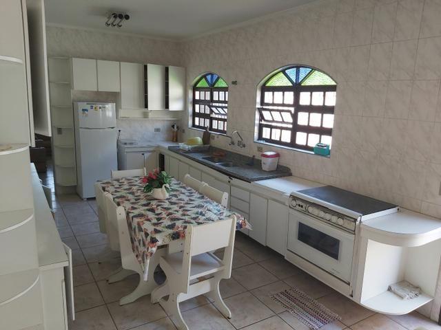 CASA COM PISCINA/ LINDA CASA IMPECÁVEL. 100 metros da praia. Cozinha ENORME - Foto 3