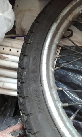 Roda com pneu ybr - Foto 2