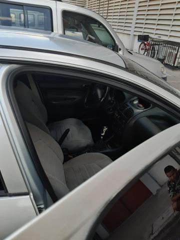 Peugeot em bom estado bem conservado para uso - Foto 6
