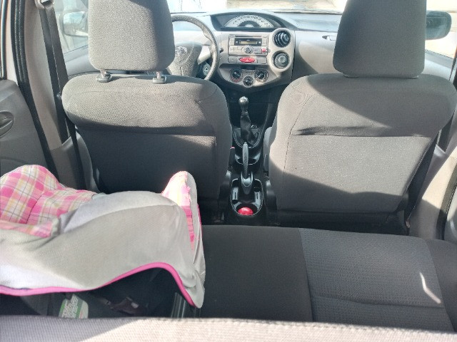 Toyota etios hatch - Foto 4