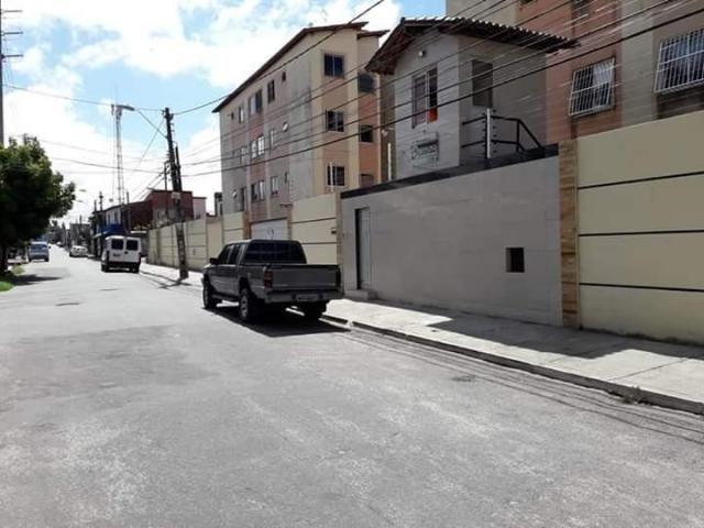 Apartamento com 2 dormitórios à venda, 45 m² por R$ 140.000,00 - Damas - Fortaleza/CE