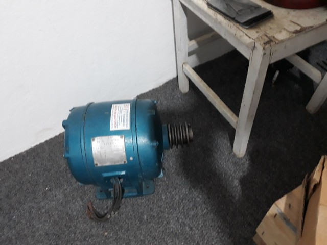 Motor elétrico trifasico