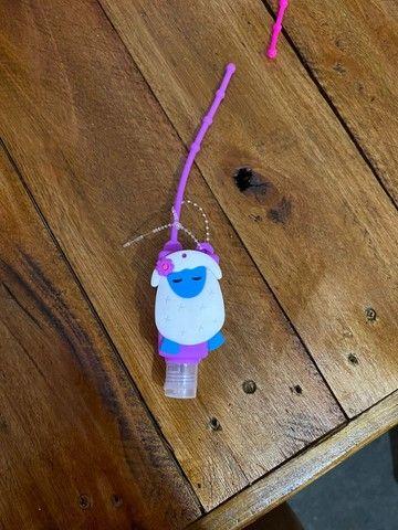 Chaveiro porta álcool em gel - Foto 3