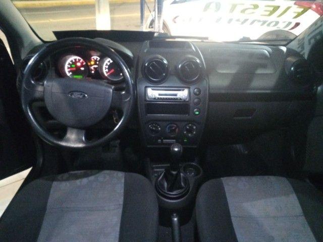 Fiesta 2011 4p 1.0 FLEX completo - Foto 4