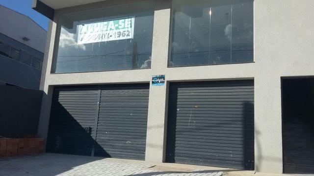 Loja térrea - comercial 180m2 no Sitio Cercado para locação - Rua Tijucas do Sul, 2701
