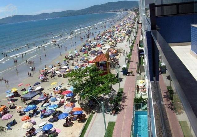 Cobertura Duplex frente para a praia com piscina - Meia Praia - Foto 6