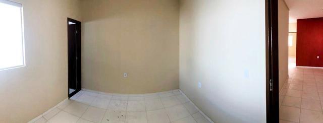 Casa no bairro Dom Avelar, com: // Rua asfaltada // 3 quartos, sendo uma suíte - Foto 2