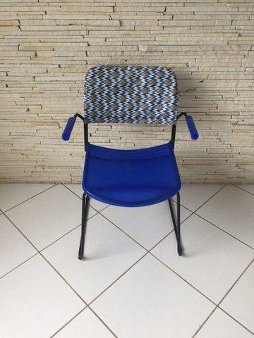 Cadeira plástica  - Foto 3