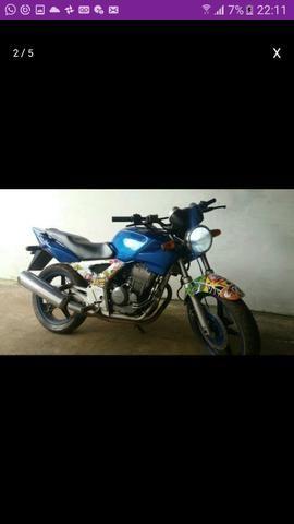 Vendo-se Twister 2003 conservada 098985460834