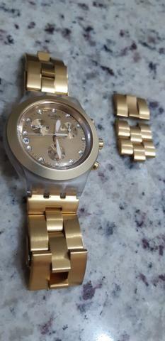 f7e9bd43064 Relógio Swatch Full Blooded Dourado - Bijouterias