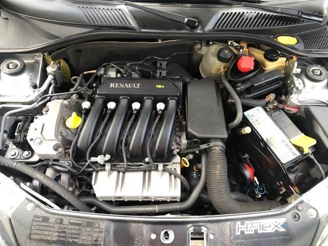 Renault Clio Sedan Expression 1.6 Completo - Foto 11