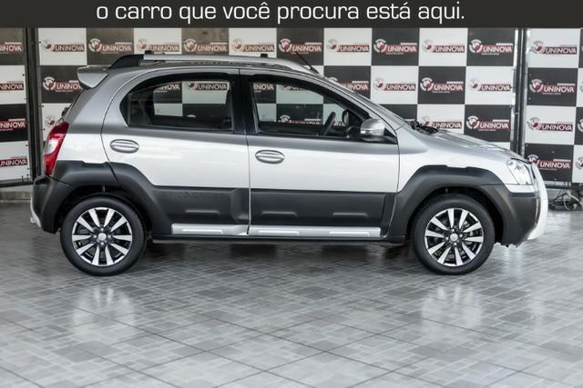 Toyota Etios Cross 1.5 Automático ( 16.000 km Com Kit Gas ) - Foto 8