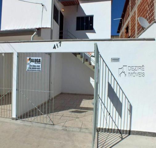 Casa com 3 dormitórios para alugar, 80 m² por R$ 950,00/mês - São Caetano - Resende/RJ
