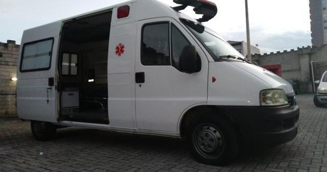 Ambulância - Foto 4
