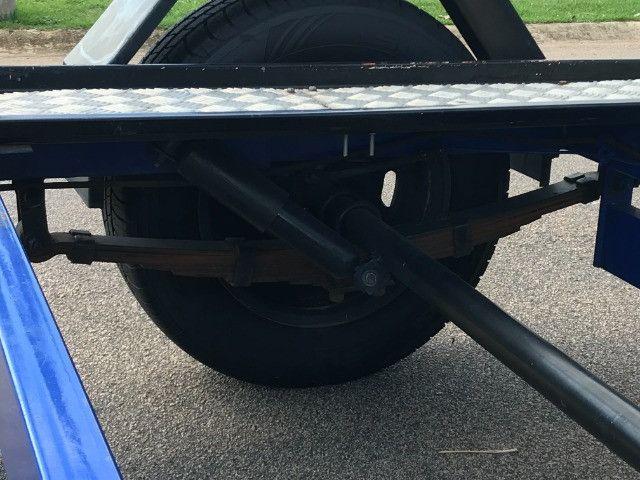 Carretinha reboque para veiculos Capacidade 1300 kg articulável, pneus novos - Foto 10
