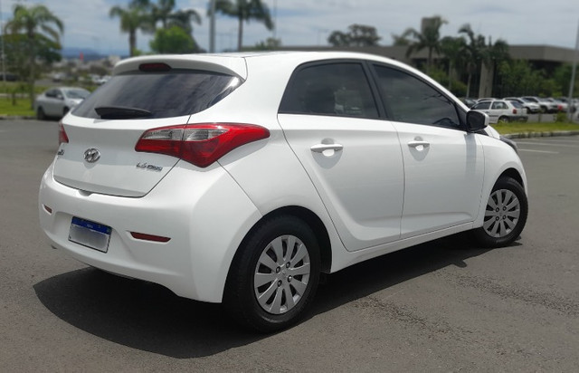 Hyundai HB20 - 1.6 Conforte Branco - Kit GNV - Foto 9