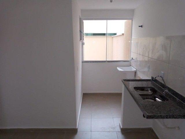 Apê de 2/4 por R$ 280.000 suíte grande área externa em Vivendas da Serra - Foto 10