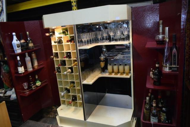 Barzinho textura/pintura couro de cobra - Parc 10x - Mercado das Pulgas