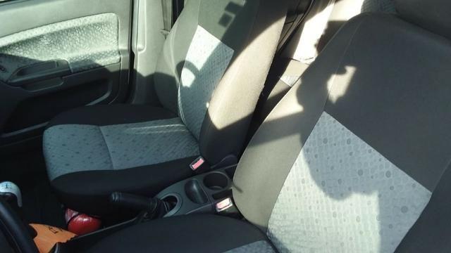 Ford Fiesta 1.6 Flex - Foto 10