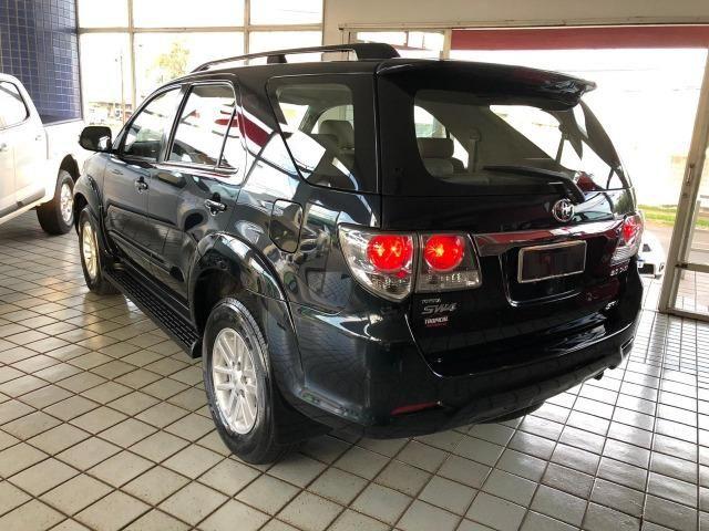 Toyota Hilux SW4 SRV_3.0D4-D_AUT._4X4_7LgareS_ExtrANoA_LacradAOriginaL_RevisadA_ - Foto 2