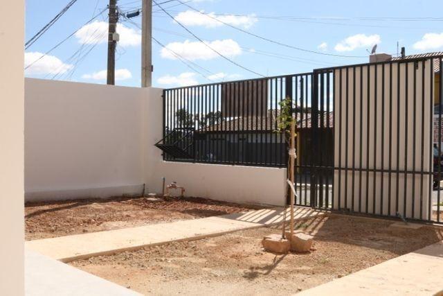 Casa com 2 dormitórios, porém com opção para 3 dorms, averbada e nova no Santa Candida - Foto 6