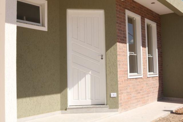 Casa com 2 dormitórios, porém com opção para 3 dorms, averbada e nova no Santa Candida - Foto 2