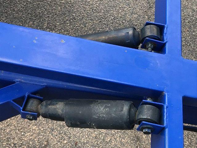 Carretinha reboque para veiculos Capacidade 1300 kg articulável, pneus novos - Foto 9