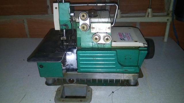 Vendo duas maquina de costura sendo uma interloque e a outra galoneira as 1000reais