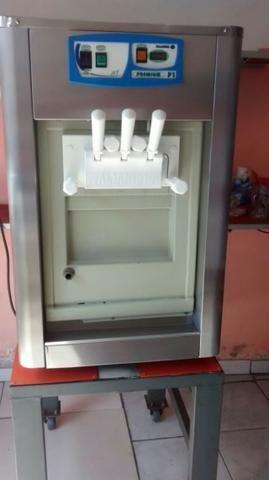Maquina de sorvete italianinha p1 baixei p vender urgente
