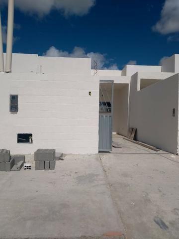 Oportunidade, Casa 3 quartos sendo 1 suite, Corredor , Porcelanato no Sim R$135000,00