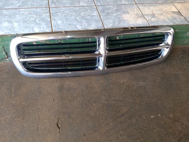 Grade dianteira cromada Dodge Dakota original