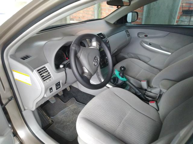 Corolla GLI 1.8 2010/2011 - Foto 13